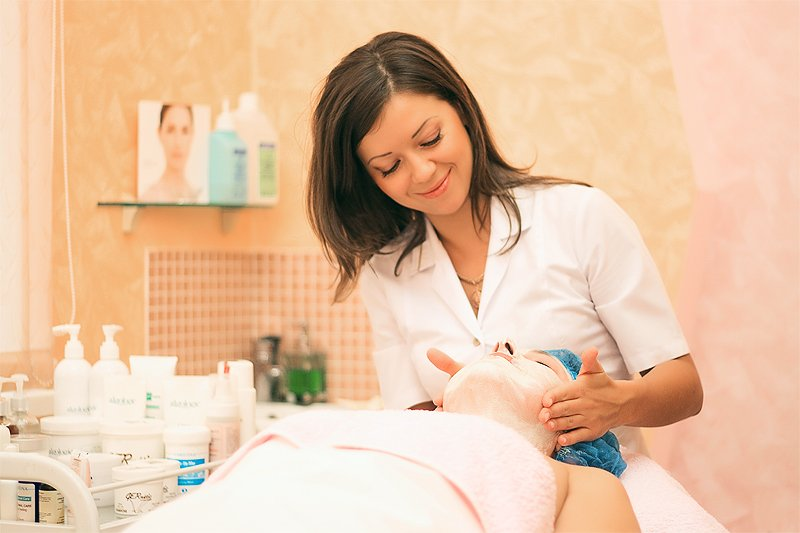 Косметолог: учимся распознавать профессионала!