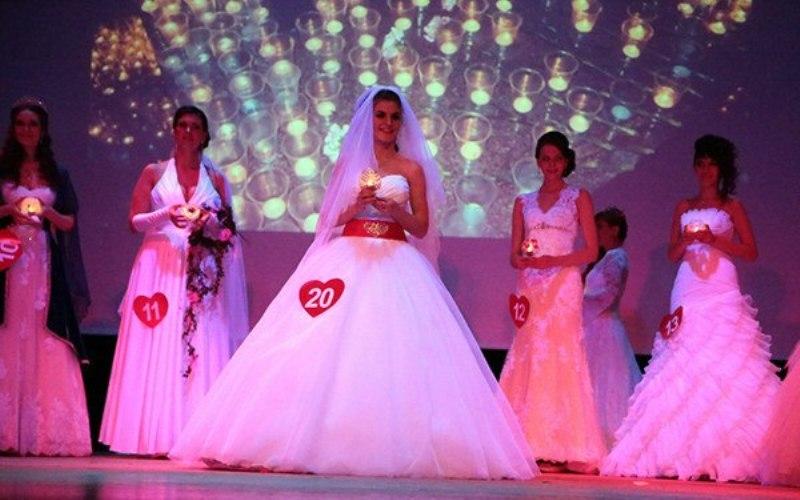 Вы просматриваете изображения у материала: БРИЛЛИАНТОВОЙ НЕВЕСТОЙ ТЮМЕНИ – 2014 стала Алена Шабанова